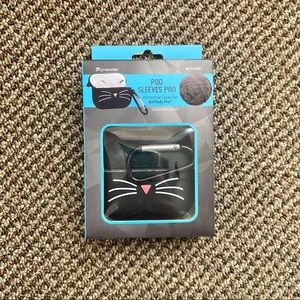 BRAND NEW cat AirPods 2 case